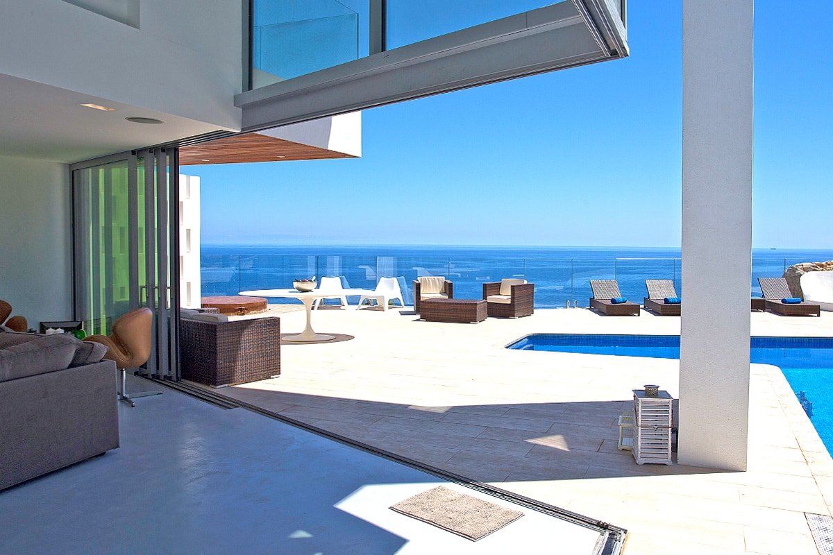 Villas with magnificent sea views